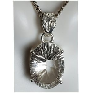 Jewelry - 22ct Faceted White Topaz Pendant/Necklace
